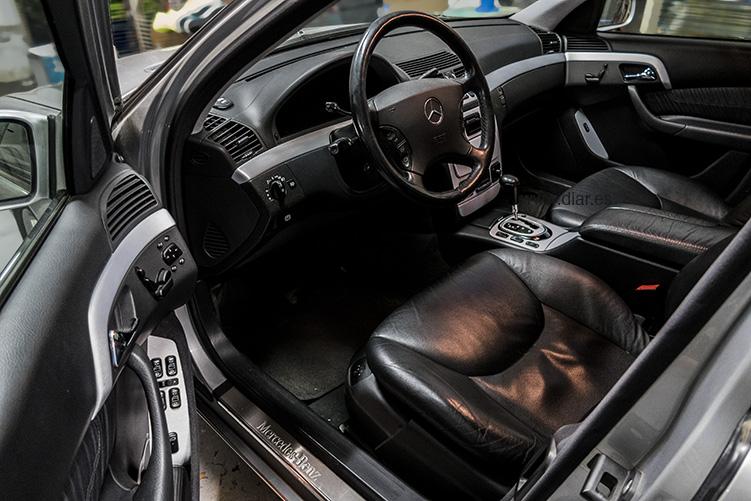 Mercedes-Benz Aluminio cepillado des de puerta entero
