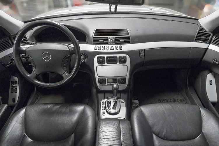 Mercedes-Benz Aluminio cepillado entero