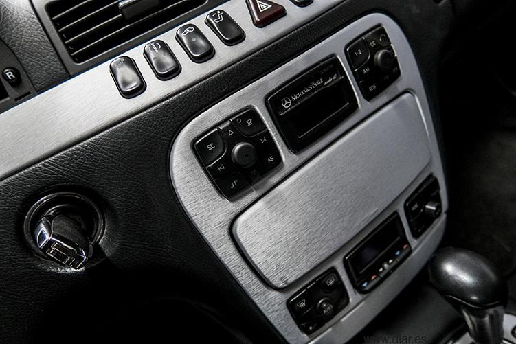 Mercedez Benz Aluminio cepillado radio